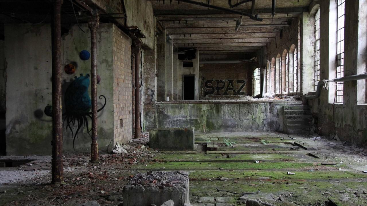 Заброшенное здание внутри