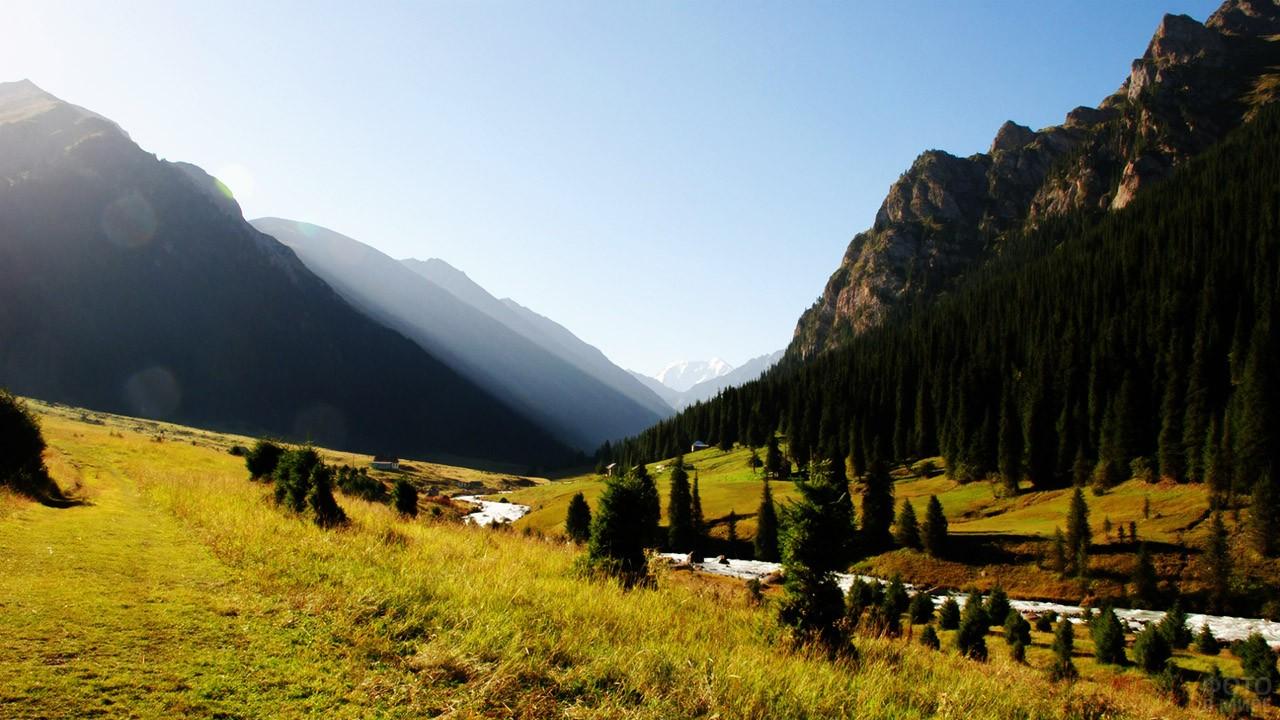 Киргизский горный пейзаж