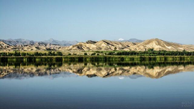 Летний киргизский пейзаж