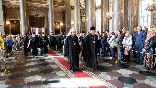 Священнослужители в Казанском Соборе