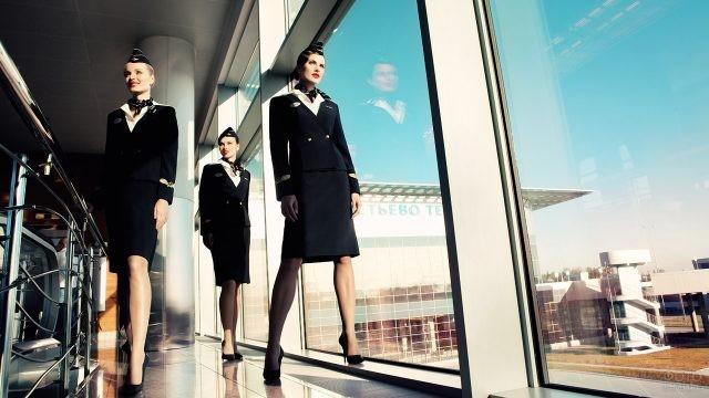 Стюардессы Аэрофлота в зале ожидания