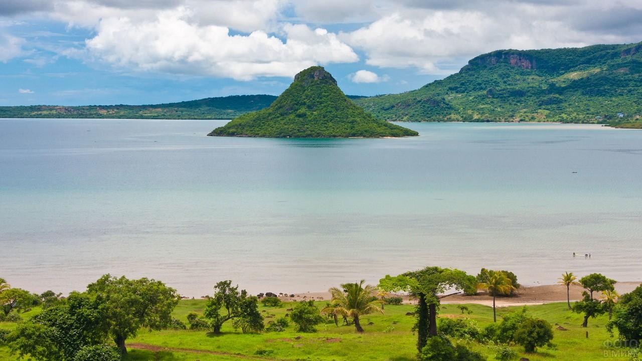 Бухта Анциранана у Мадагаскара