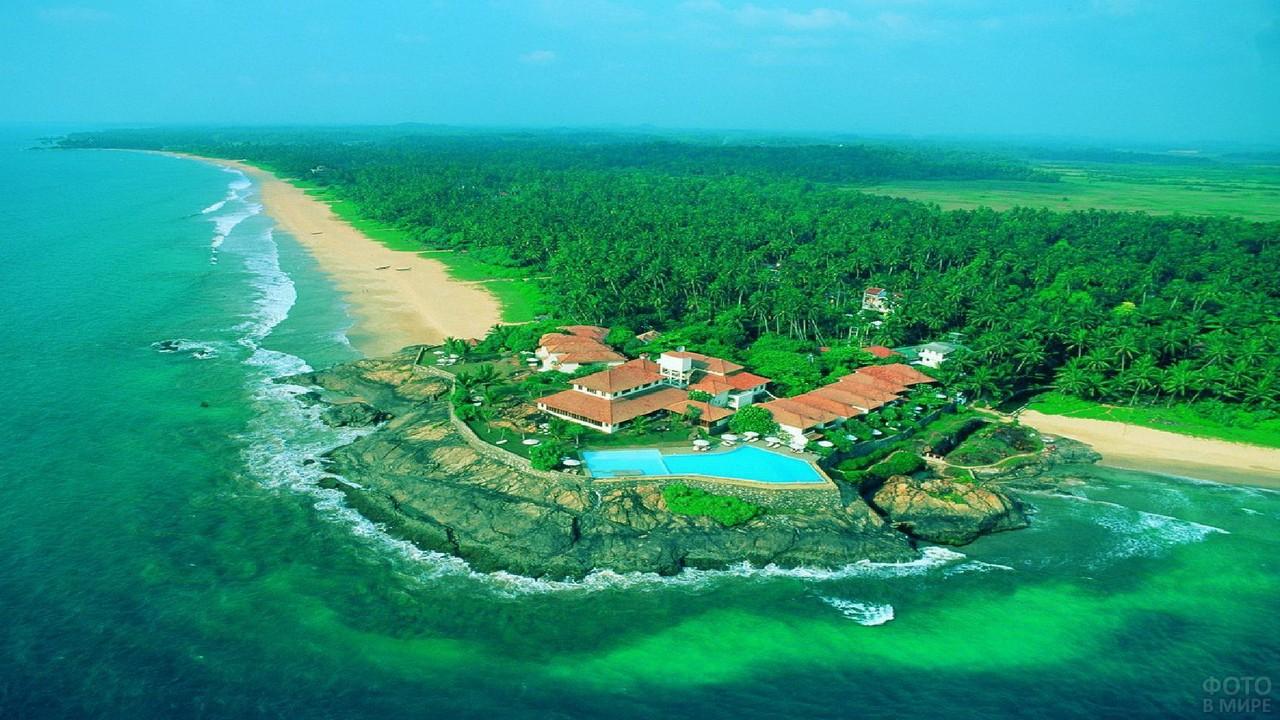 Маравила Шри-Ланки у океана