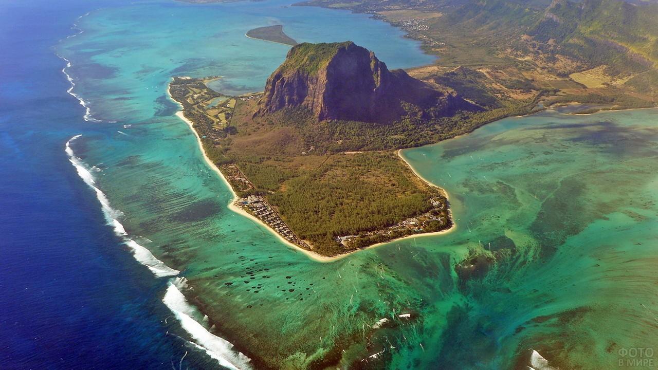 Подводный водопад у Маврикия