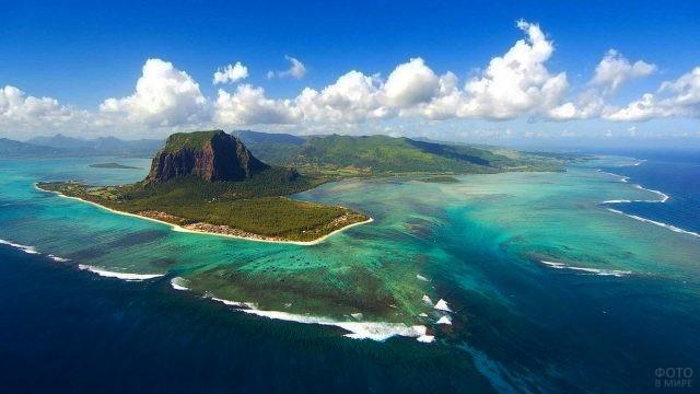 Полуостров Леморн Брабант в Индийском океане