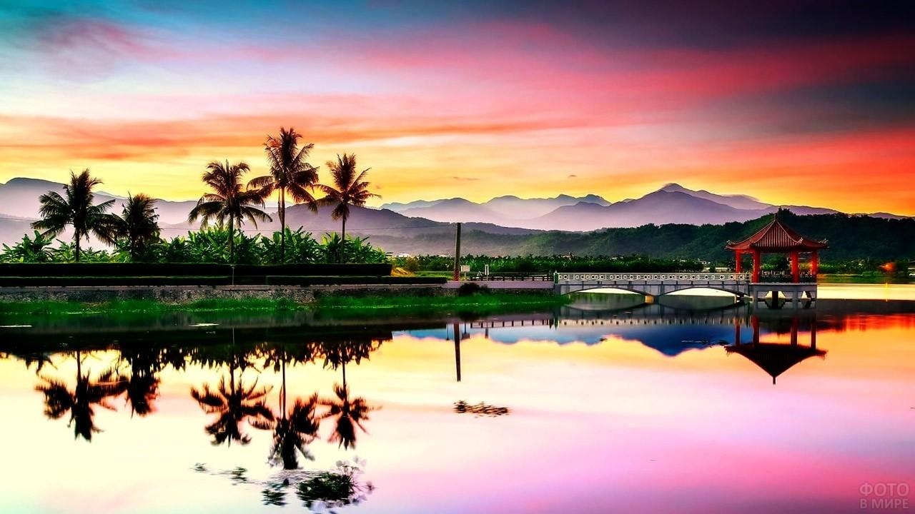 Закат над аутентичным китайским пейзажем