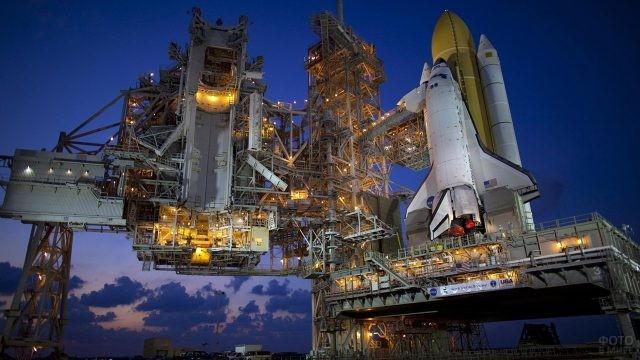 Шаттл Дискавери на космодроме НАСА