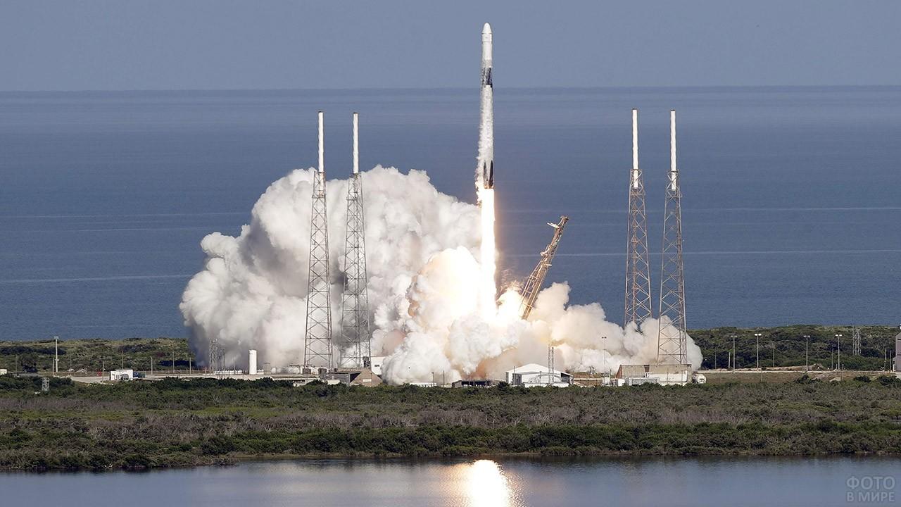 Запуск ракеты Falcon-1