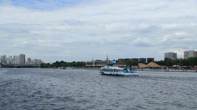 Южный речной вокзал в Москве