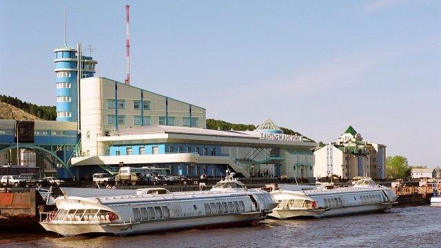 Речной порт в Ханты-Мансийске