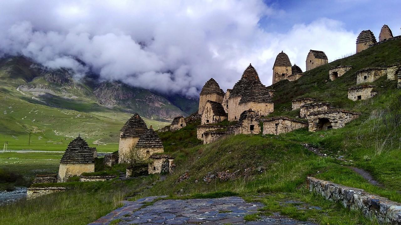 Куртатинское ущелье на Кавказе