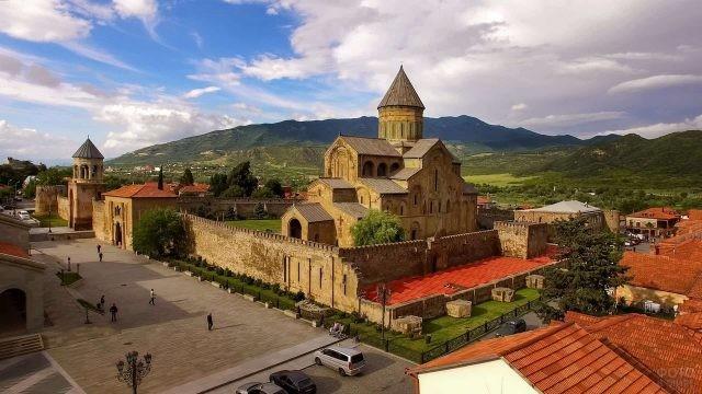 Монастырь в Тбилиси на Кавказе