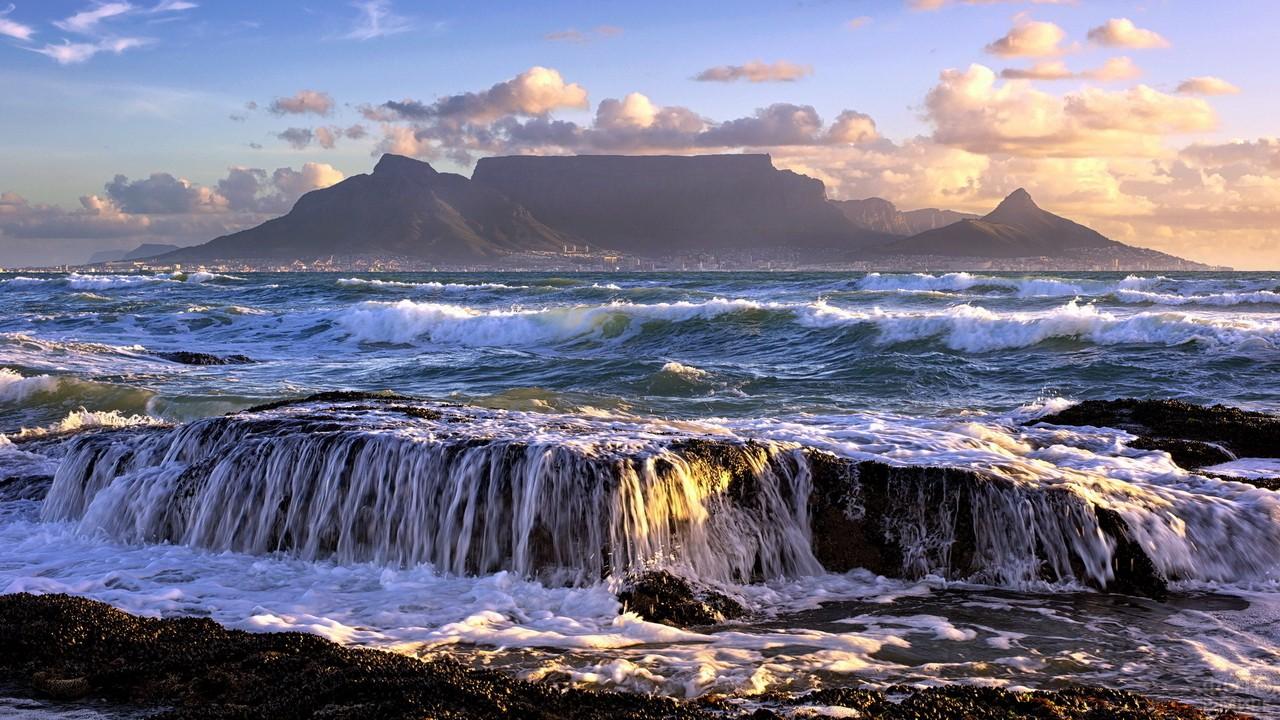 Африканский берег с океана