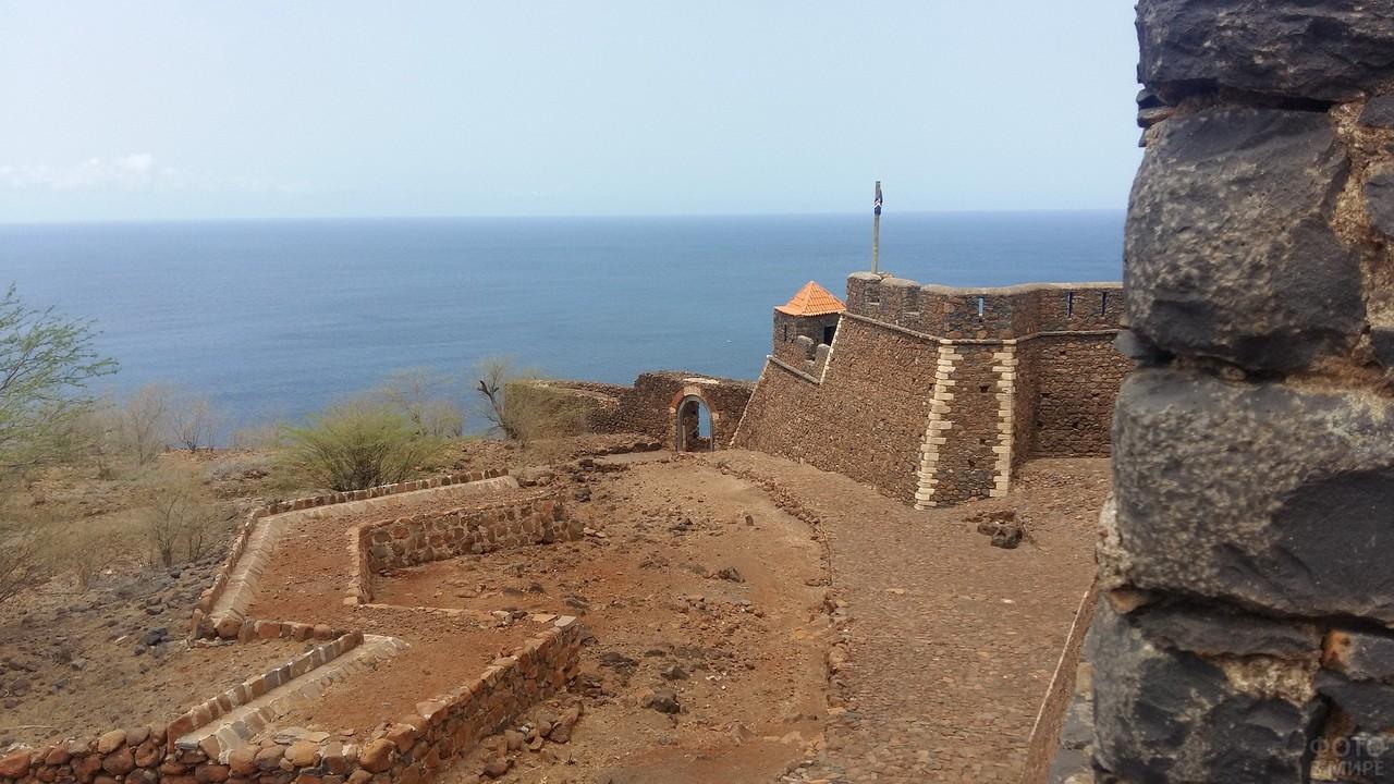 Вид с крепости на океан