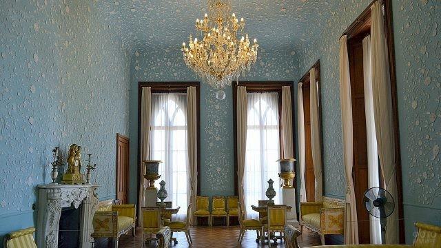 Интерьер голубой комнаты