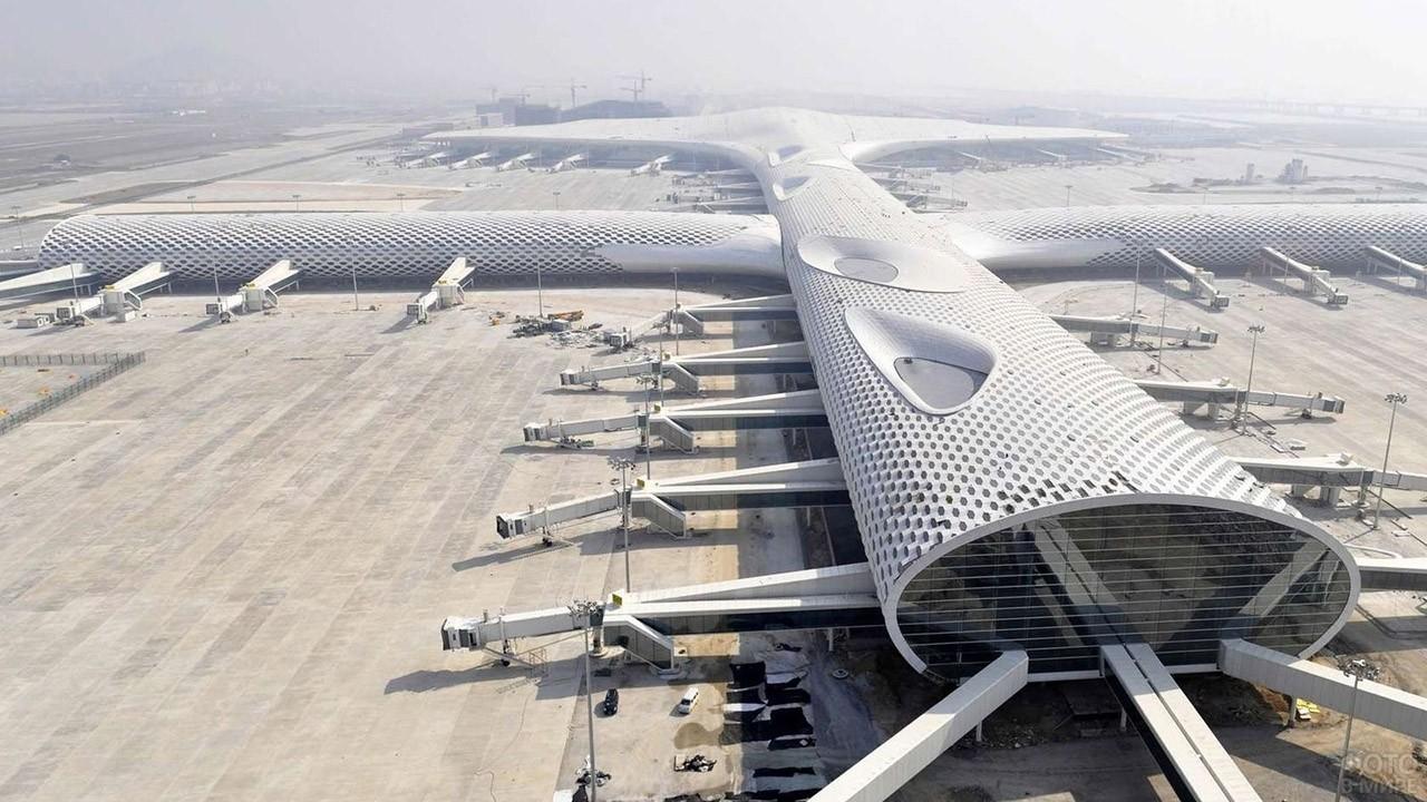 Перрон аэропорта в Шеньчжэне, Китай