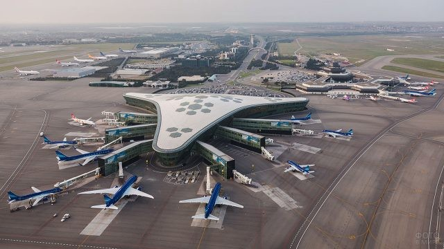 Перрон нового аэропорта в Баку