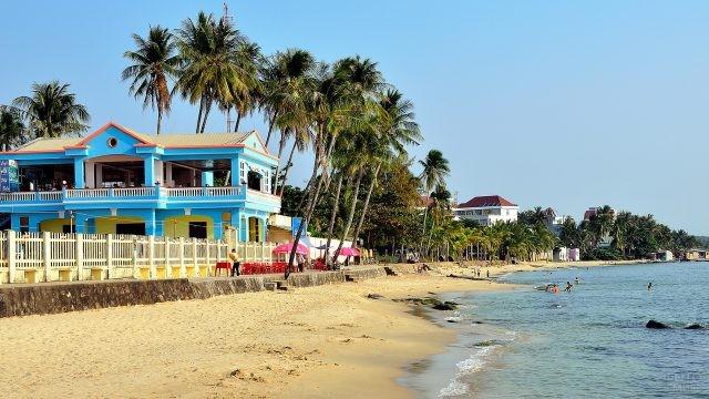 Отели, выходящие на песчаный пляж
