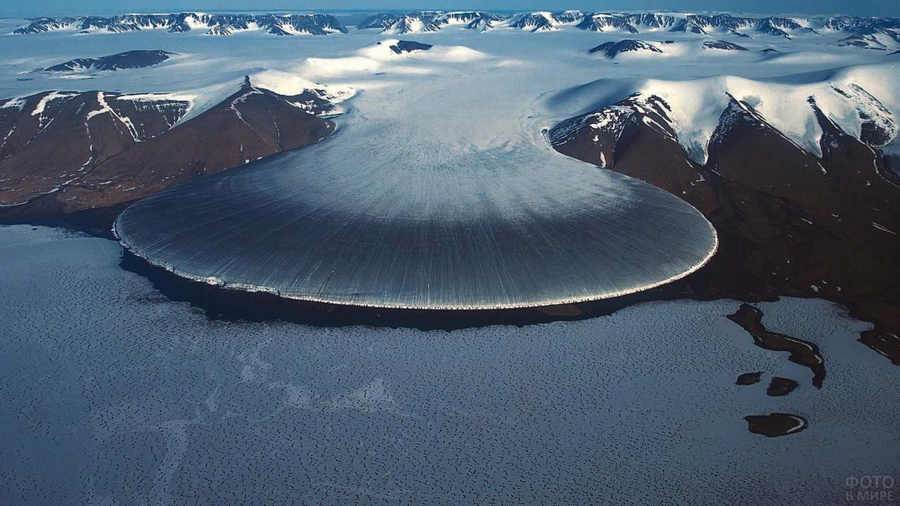 Гренландия с высоты птичьего полёта
