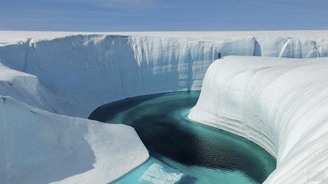 Ледяной каньон в Гренландии