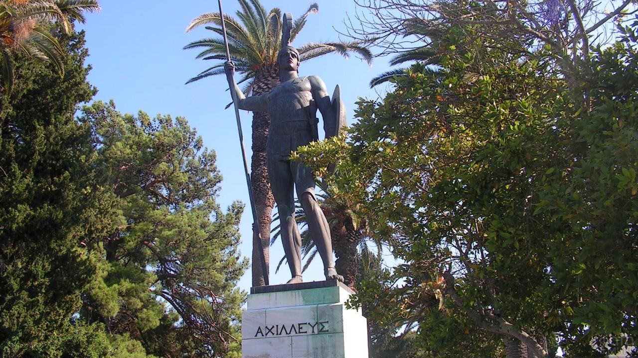 Памятник Ахиллесу на острове