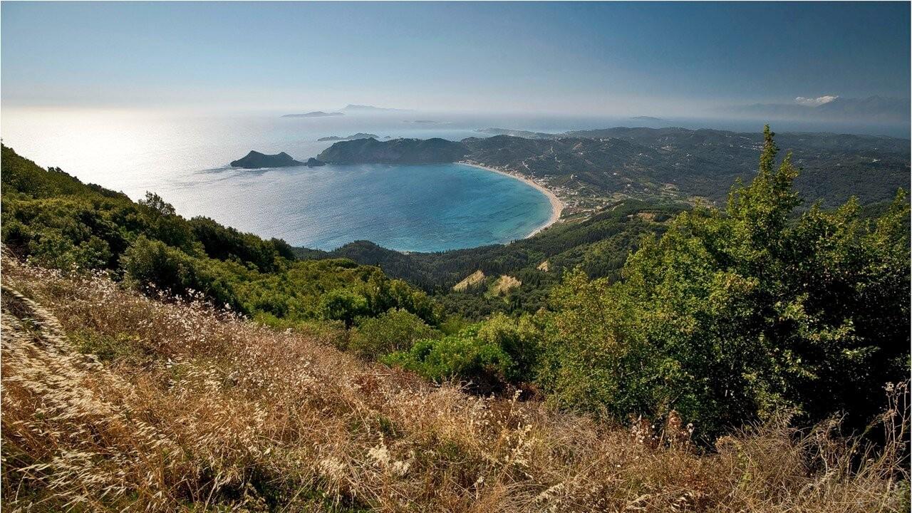 Вид на море со склона горы