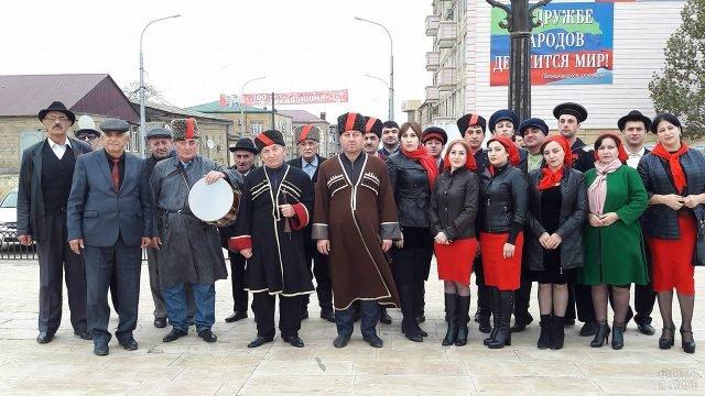 Артисты в Дербенте в годовщину Великой октябрьской революции