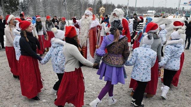 Хоровод вокруг русского Деда Мороза и финского Йоулупукки