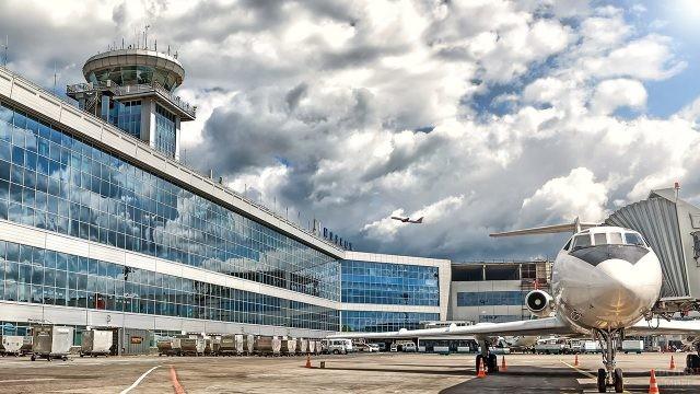 Посадка на самолёт через телетрап в Домодедово