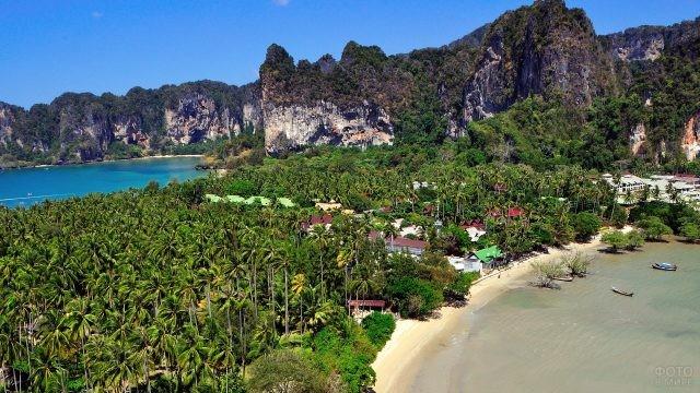Деревня на острове Пхи Пхи