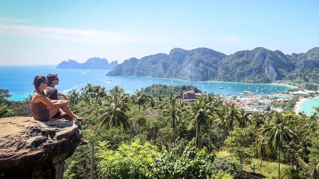 Обзорная площадка на острове