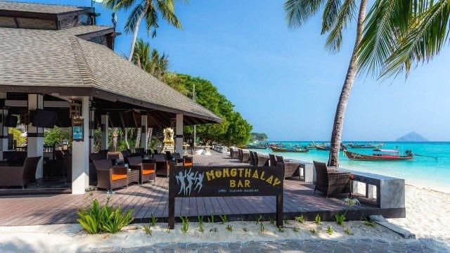 Отель на острове Пхи Пхи Дон