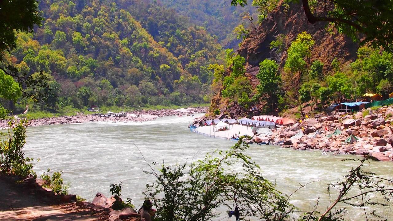 Река Ганг в Гималаях
