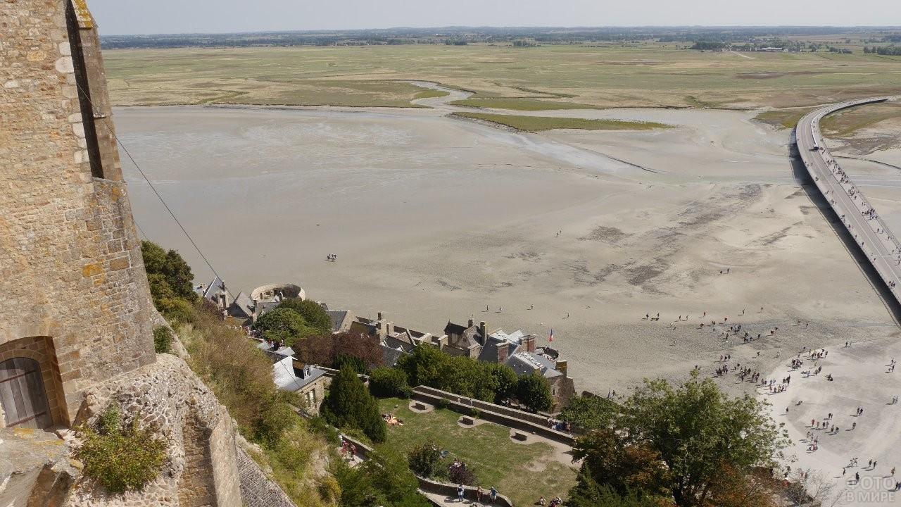 Вид с замка Мон-Сен-Мишель