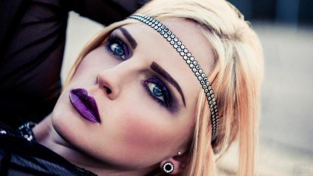 Фиолетовый макияж для фотосессии