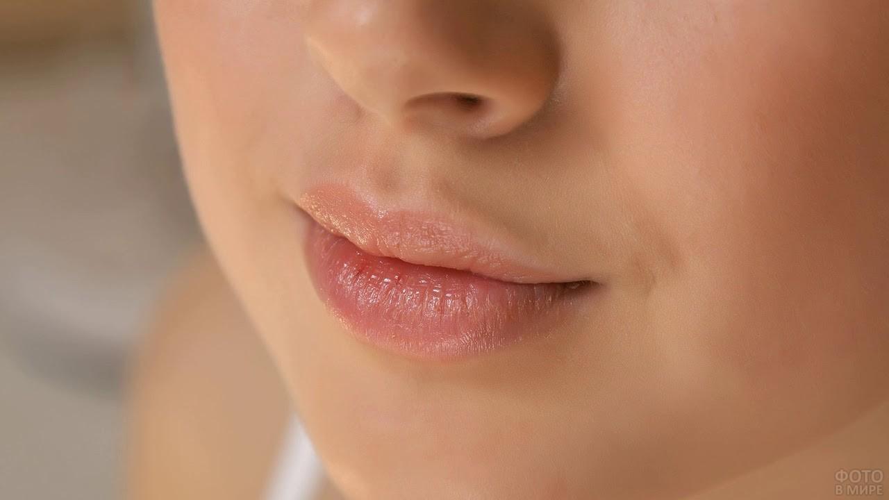 Красивые женские губы