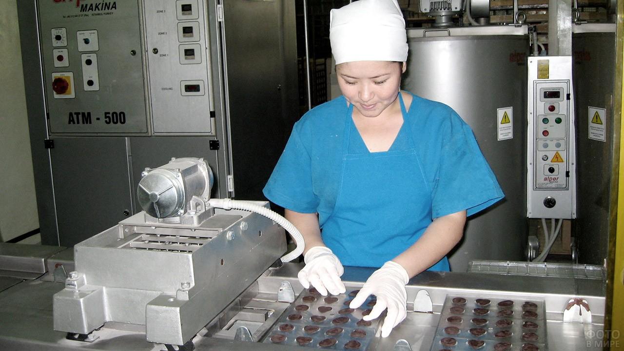 Основанная в 1974 году кондитерская фабрика в Казахстане в наши дни