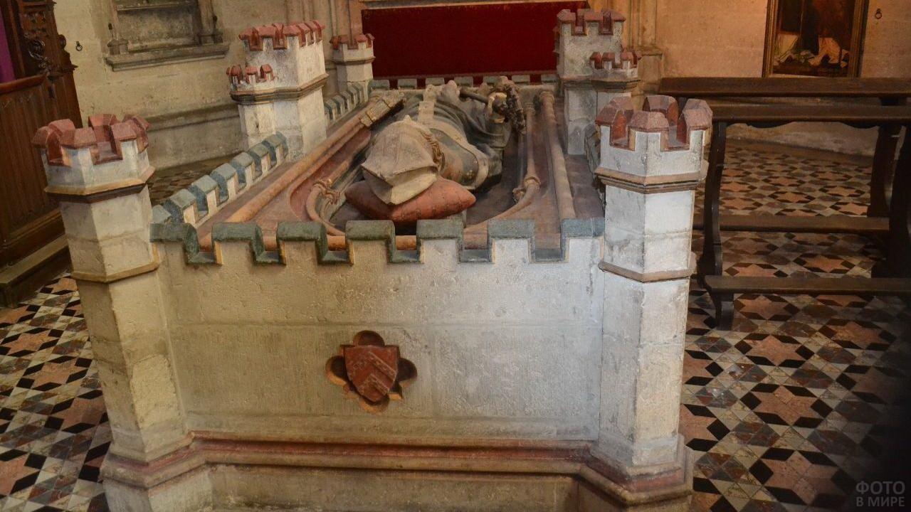 Гробница архиепископа