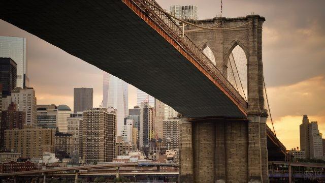 Мост со стороны реки