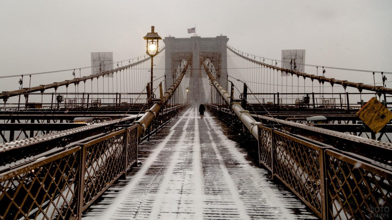 Заснеженный мост в Бруклине