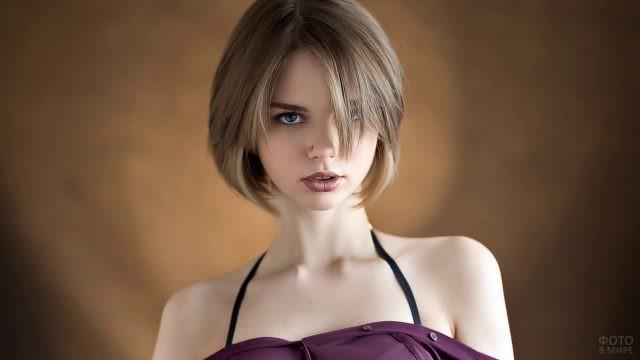 Каре с чёлкой на русые волосы