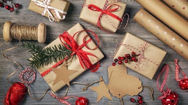 Упаковка новогодних подарков в модном эко-стиле своими руками