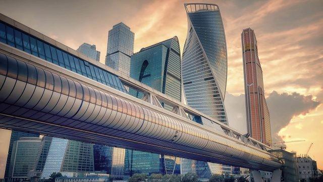 Мост Багратион через реку Москва