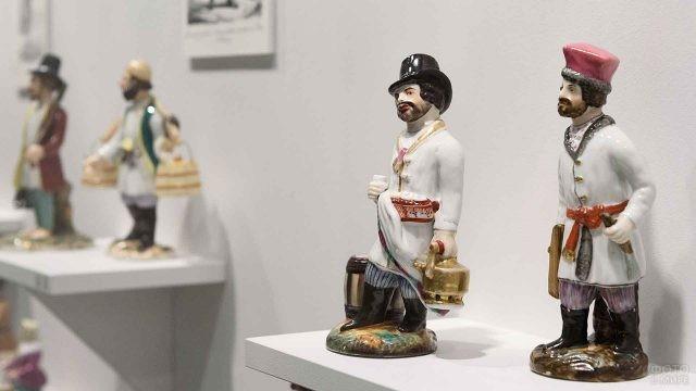 Фигурки Гарднера в музее