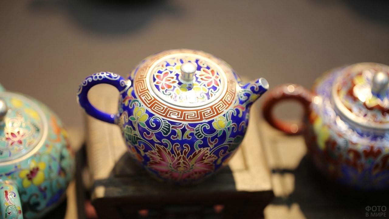 Расписной чайник фабрики в Цзиндэчжэнь
