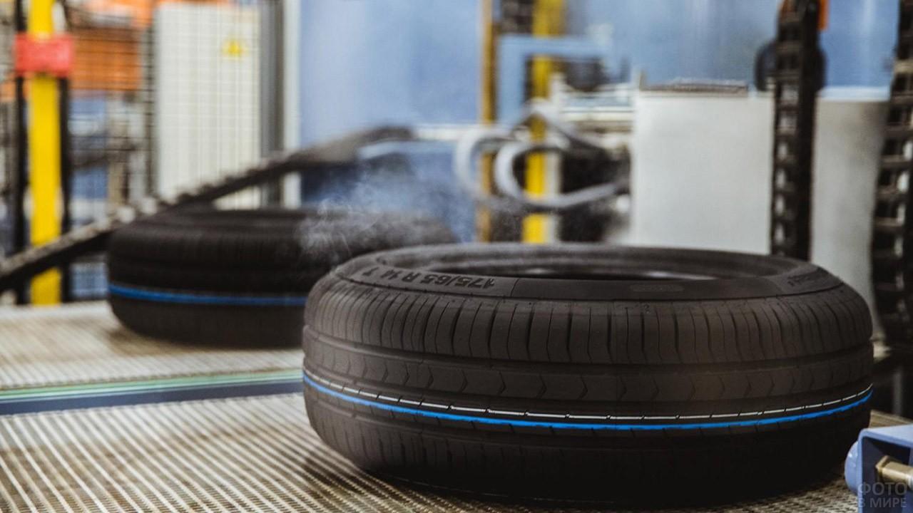 Новенькая шина Континенталь на заводе в Калуге
