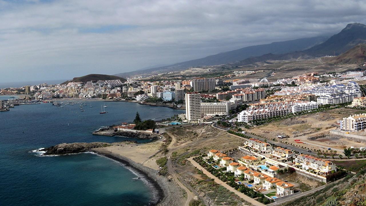 Город Лос Кристианос на острове