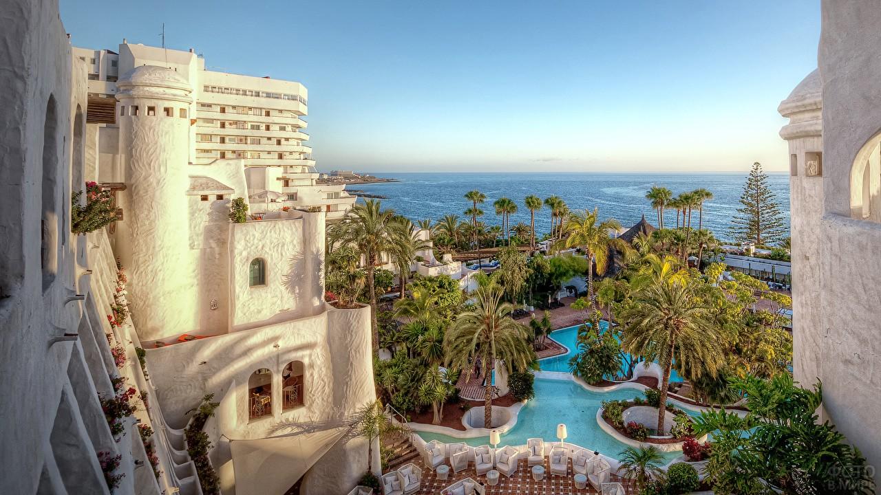 Вид на океан с отеля