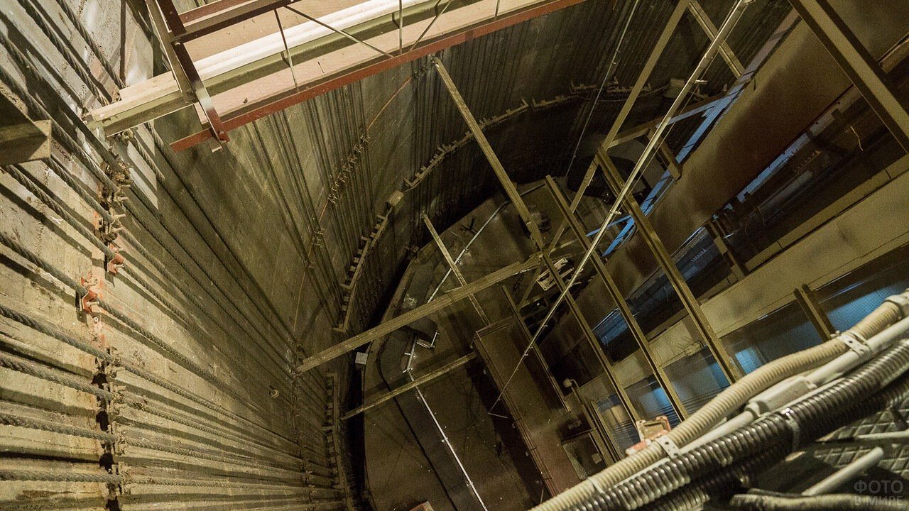 Тросы внутри Останкинской башни