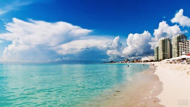 Городской пляж в Канкуне